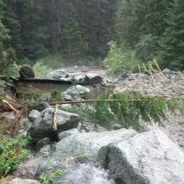 Tubature danneggiate dallo smottamento  Acqua da bollire in Valmasino ed Ardenno
