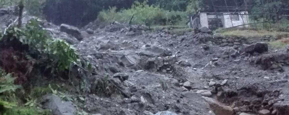 FRANA A LORETO (CHIAVENNA), EVACUATE 3 ABITAZIONI,   MA SOLO UNA E' ABITATA