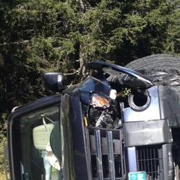 Campodolcino, si ribalta con l'auto: conducente illeso