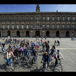 Al via tour turistici in bici a Napoli