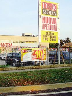 Alberghi e case la valtellina si mette in vendita ai for Case in vendita tirano