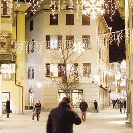 I commercianti:  «La città rischia un Natale al buio»
