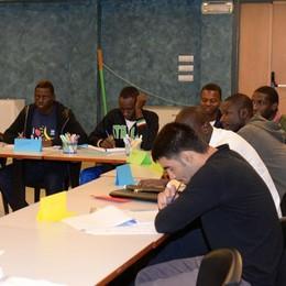 Lezioni di italiano per settanta stranieri, al Bellevue è iniziato il corso