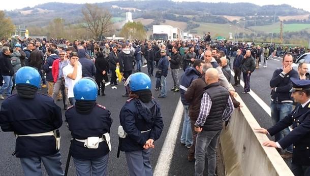 Ast, sindacati convocati al Ministero