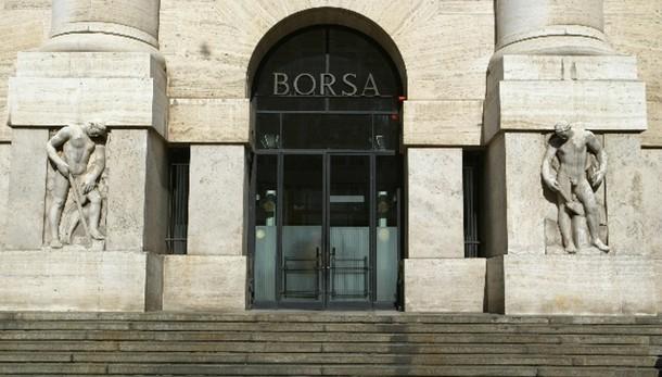 Borsa: Milano apre in rialzo (+0,30%)