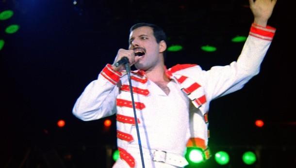 Torna voce Mercury, brano lotta all'Aids