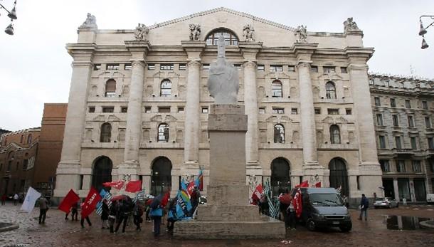 Borsa: Milano apre in calo (-0,65%)