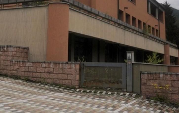 Ufficio Di Piano Tirano : Soluzione indipendente tirano vendita u ac mq cambiocasa