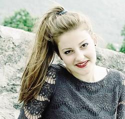"""1Entusiasmo alle stelle per le Ladiesgang che con il loro accattivante """"Tanga a pois"""" si sono conquistate la finalissima del Videofestival Live che si terrà al """"Gran galà televisivo"""", il 24 e 25 giugno a Padova 2 In finale di fronte alla giuria presieduta da Mara Maionchi ci sarà anche Elena Mottarelli, sondriese di 18 anni"""
