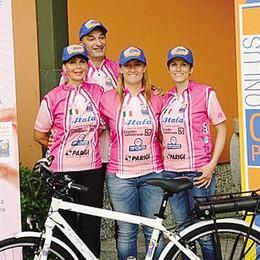 Bormio, tre donne in sella  Bici in dono al Papa
