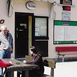 Slot al bar del centro sportivo  Proteste a Campodolcino