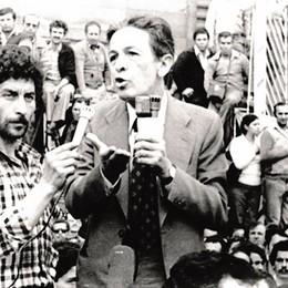All'Ultima luna  i  pensieri   di Berlinguer  eroe politico
