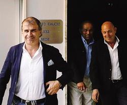 Il presidente Mostacchi e il vice Sertori se la ridono con il dg Zallouz