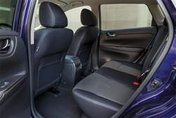 Nissan Pulser spazio posteriore