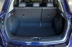 Nissan Pulsar bagagliaio