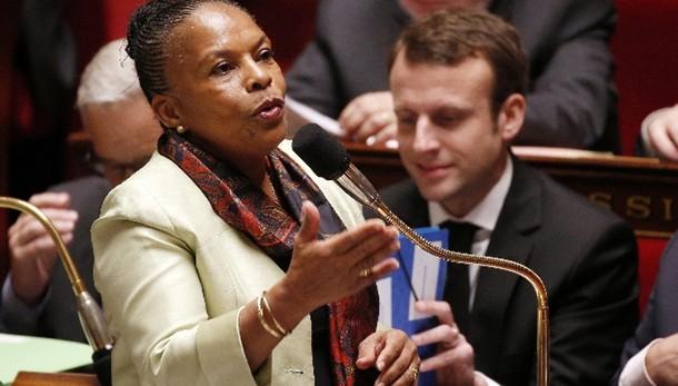 Ministro Francia, diritto ironia su fedi