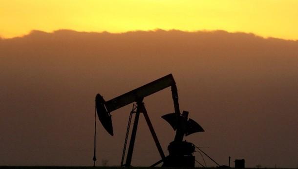 Petrolio:chiude sotto 48 dollari a NY