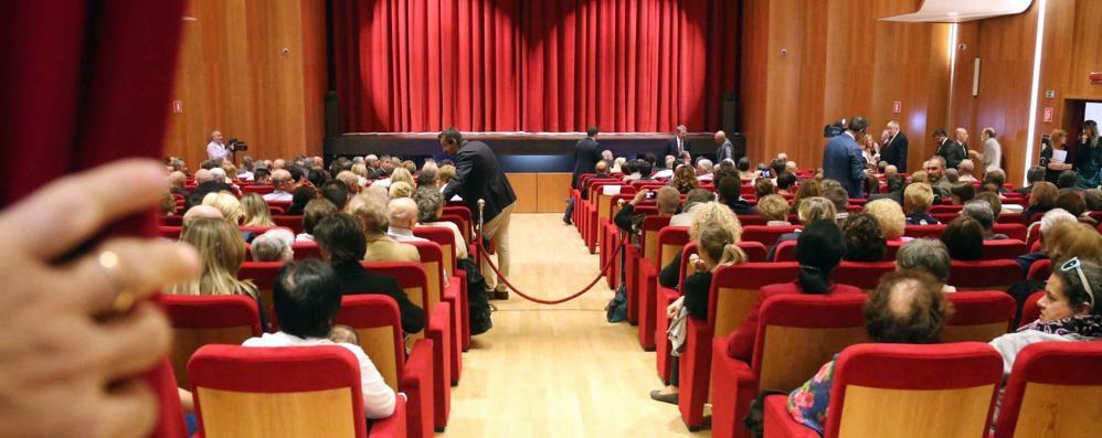 """Al Teatro Sociale largo ai giovani con il progetto """"meno25"""""""