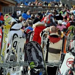 Skipass per residenti ceduti a terzi Skiarea taglia lo sconto
