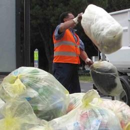 Tassa sui rifiuti, in calo per le famiglie