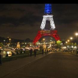 Strage di Parigi. In fuga un altro  kamikaze