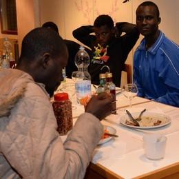 «Profughi negli alberghi, solo per interesse»