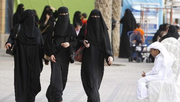 Donne saudite per prima volta alle urne