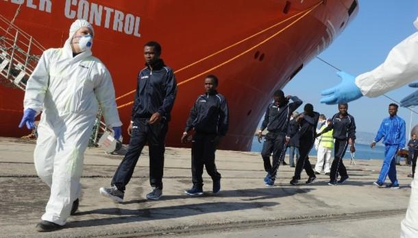 Migranti: Gozi, da Ue risposta sbagliata