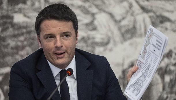 Renzi, distruggere l'Isis è priorità