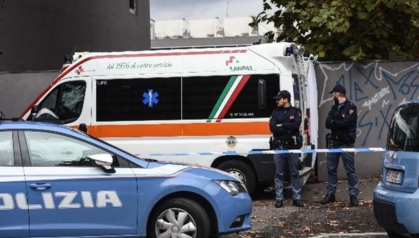 Uccide genitori nel Milanese, arrestato