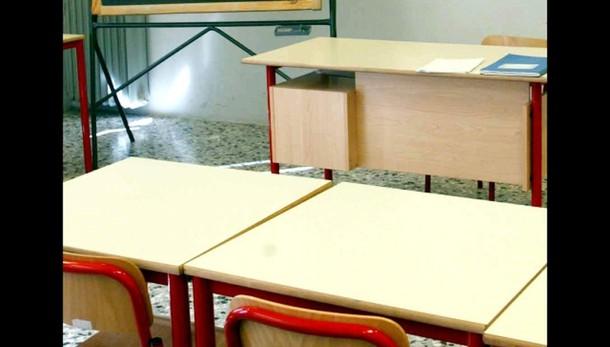 Scuola: Cisl, 1 euro tredicesima docente