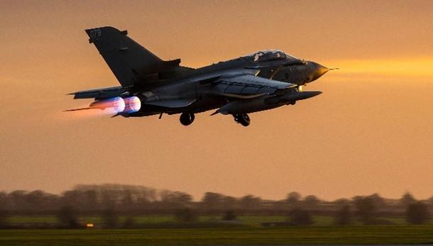 Tornado Gb decollano dopo ok Camera