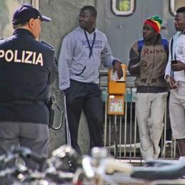 Polizia: un 2015 intenso e l'emergenza profughi. Gestiti finora 900 arrivi