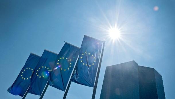 Cambi: euro in calo a 1,0909 dollari