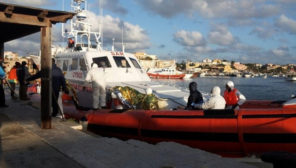 Salvati 751 migranti in Canale Sicilia