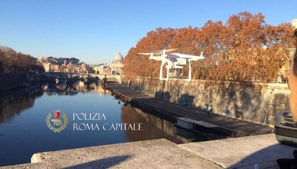 Con drone vicino S.Pietro, fermati