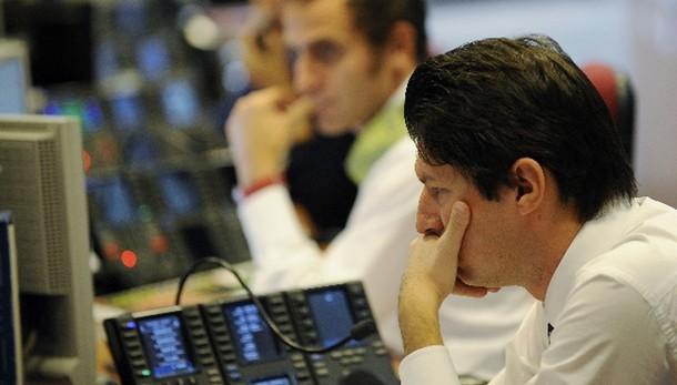 Borsa. Milano chiude a -2,47%