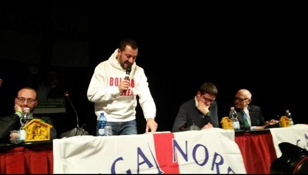 Salvini, via insegnanti contro il Natale