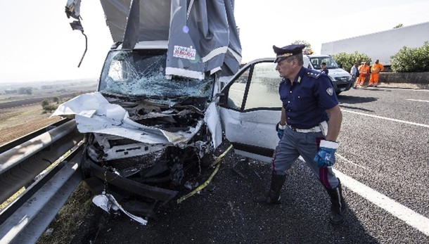 Incidenti stradali:-0,4% ma più 13 morti
