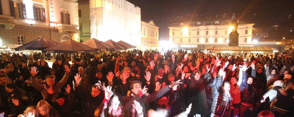 Veglione in piazza a Sondrio. Il nuovo anno si aspetta insieme