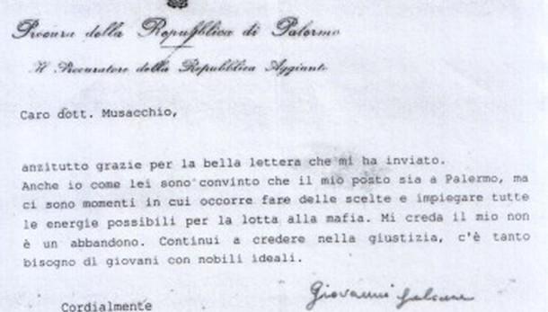 Lettera Falcone, il mio non è abbandono