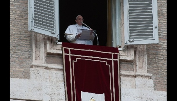 Papa: basta brutalità in Siria e in Iraq