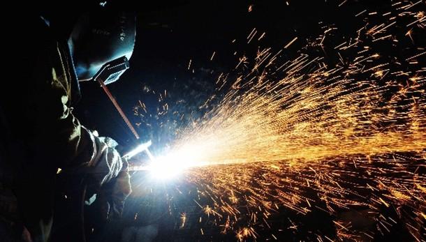 Produzione industria giù a gennaio -2,2%