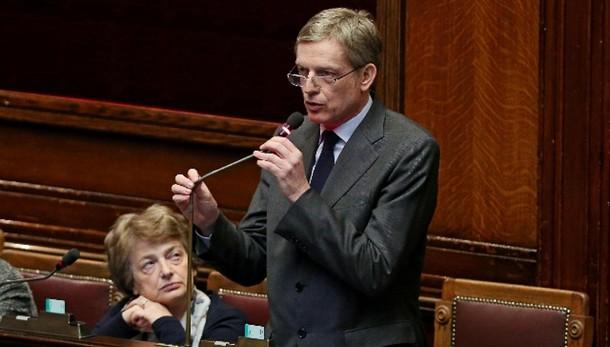 Cuperlo, Renzi rifletta su destino Pd