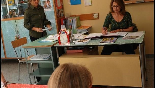 Scuola: dietrofront su scatti anzianità