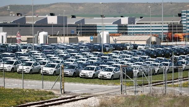 Mercato auto Italia +15% a marzo,Fca+17%
