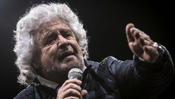 Grillo, a balle Renzi non crede nessuno