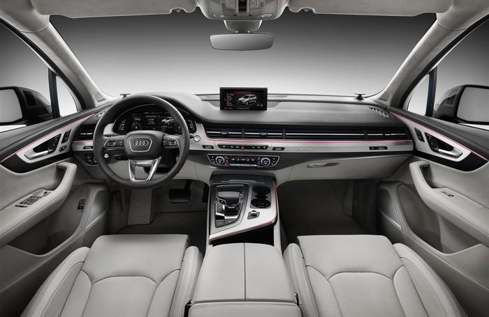 L'interno della nuova Audi Q7