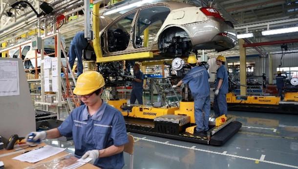 Cina: +7% Pil, deludono dati industria