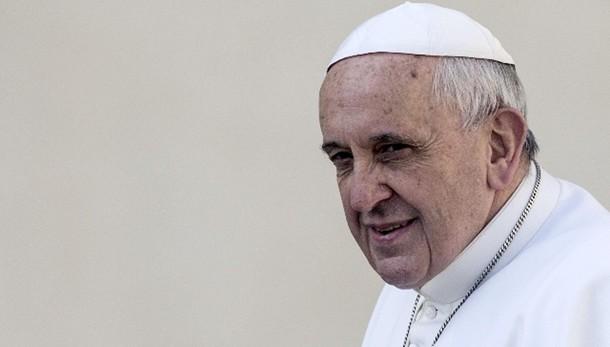 Papa domani riceve in udienza Mattarella
